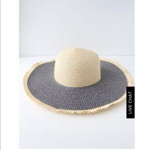 Floppy straw hat BRAND NEW